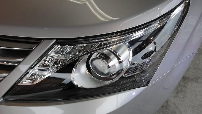 アベンシス2013年モデル評価 ヘッドライト