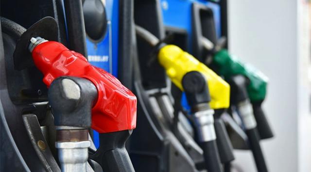 デリカ D5 ディーゼル 税金 ガソリン