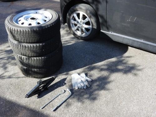ハリアー タイヤ交換 自分で 道具