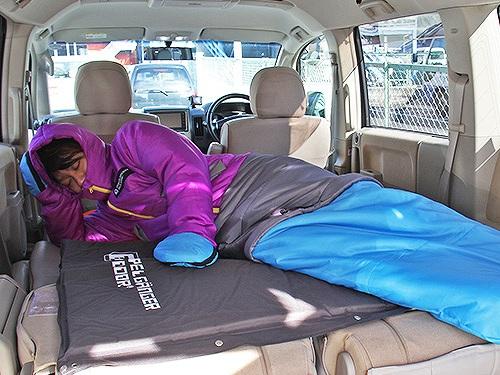 nbox ノーマル 車中泊 寝袋