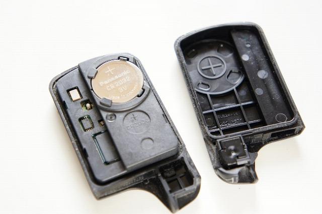 オデッセイ キーレス 電池交換 スマートキー
