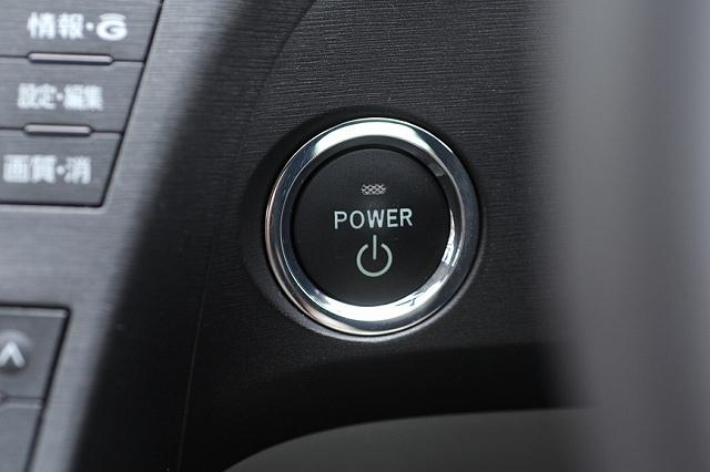 プリウスバッテリー上がりドア開かないバックドア