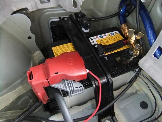 プリウス 補機バッテリー 交換費用 若干高め