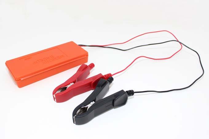プリウス補機バッテリー交換バックアップ エーモン「メモリーバックアップ1686」