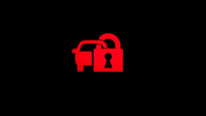 プリウス 鍵マーク 点滅 盗難防止システム(イモビライザーシステム)